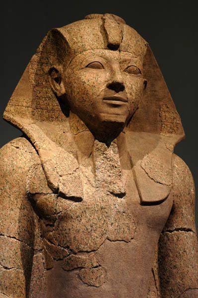 Hatshepsut female statue